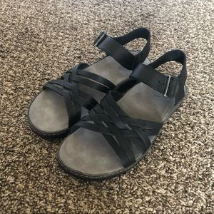 Black Chaco Fallon Sandals - woman's size 7 BNWB
